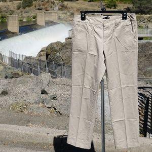 Nice Tommy Hilfiger chino khakis size 6